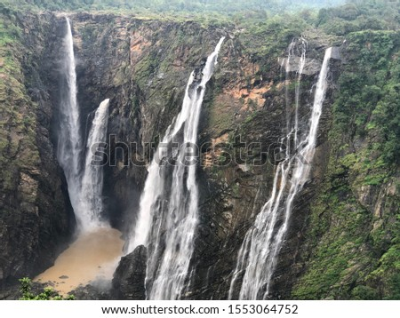 There are four different falls you can see in the pic name like Raja,Rani,Rocket and Roller