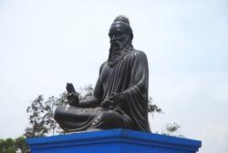 Thiruvalluvar Statue in Mahabalipuram, Chennai, India. Thiruvalluvar is a great Indian tamil poet and philosopher. He wrote the Thirukkural, tamil literature poem on ethics and betterment in life.