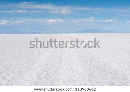 This image shows Bolivia's Salar De Uyuni