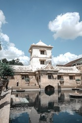 This is a water castle located in a Special Region of Yogyakarta in Indonesia and this place called Taman Sari Water Castle