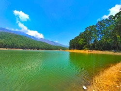This place called Echo Point. Situated in Munnar, Kerala.