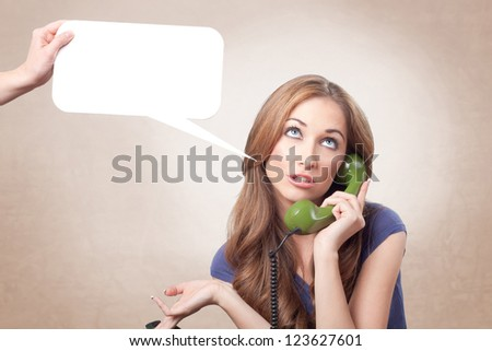 This woman takes boring phone conversation
