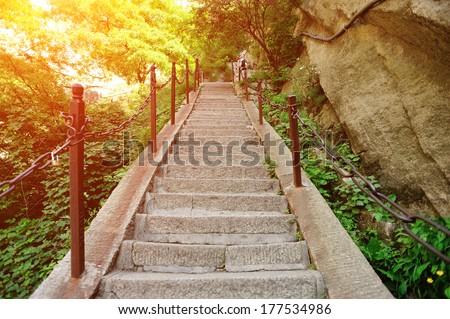 thousand feet cliff at mount Hua