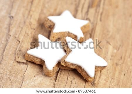 three cinnamon on wood