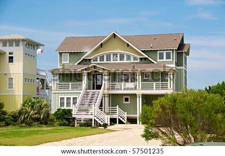 Three story beach house on the atlantic ocean in the usa for Three story beach house