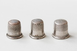 Three thimbles as the game on money