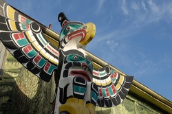 Thunderbird Above Killer Whale - Carver: Harold Alfred 1990. Cowichan Valley, Vancouver Island, British Columbia, Canada.