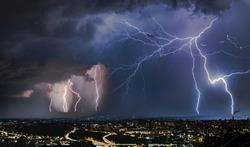 thunderstorm night show over Oslo