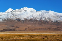 Tibet plateau scene. Taken on the Qinghai-Tibet Highway.