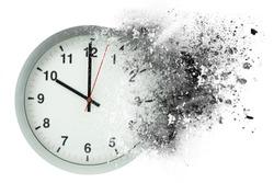 Time passes, dissolves. Concept of vanishing time.