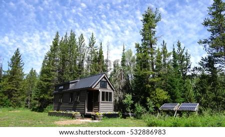 Tiny House  #532886983