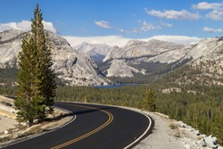 Tioga Pass Road through Olmsted Point, Yosemite National Park, California, USA.