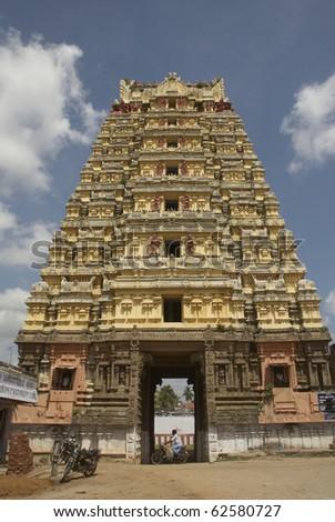 Tirrukalikundram tamil nadu india south india temple for Religious buildings in india