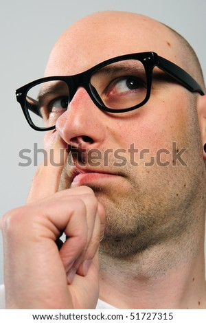 to pick one's nose