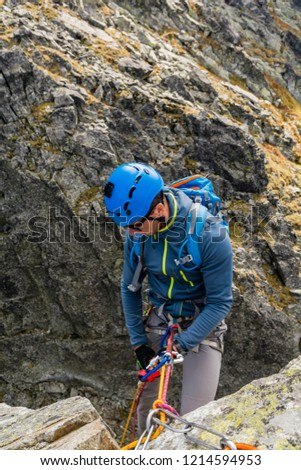 8 Rappelling Images