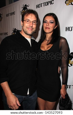 adrianne curry dating todd roy