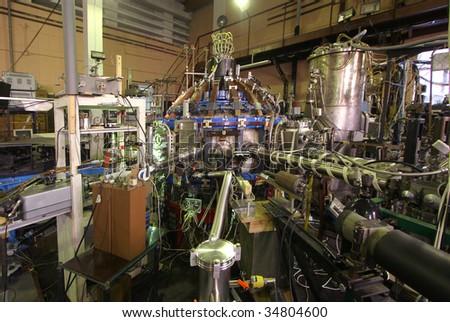 Tokamak. Equipment for experiments with high temperature plasma