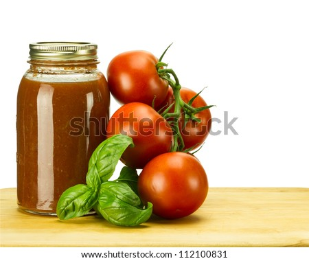 Tomato sauce with tomatoes and basil