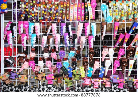 tons of beautiful hairpins
