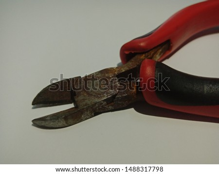 Tools that are damaged. Defective equipment. Rusty equipment. Equipment for cutting