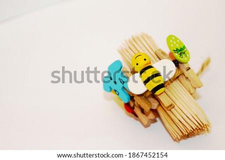 toothpick. to clean teeth. colorful ornaments on . kürdan. sunum kürdanları. küçük sunum mandalları ve kürdanlar. Stok fotoğraf ©