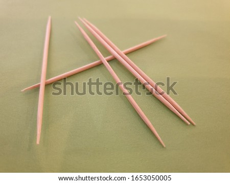 Toothpicks to eat food and clean teeth