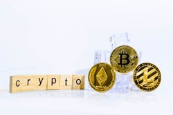 Top Cyptocurrency Bitcoin Ethereum Litecoin on the Ice Rock