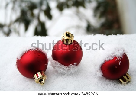 Topsy turvy ornaments in the snow