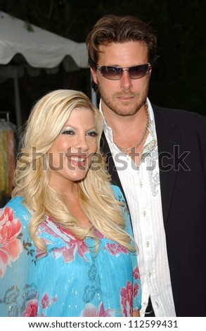 Tori Spelling and Dean McDermott at the \