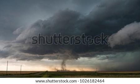 Tornado near Great Bend, Kansas, 15 June 2017