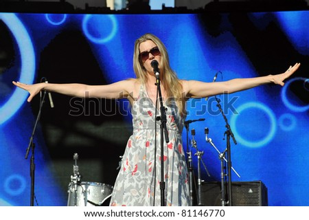 TORONTO, CANADA - JUL 16:  Ellen Reid of The Crash Test Dummies performs at the Live Green Toronto Festival Yonge-Dundas Square July 16, 2011 in Toronto, Ontario.