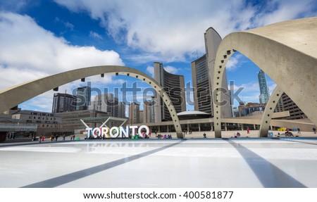 Toronto City Hall and Nathan Phillips Square