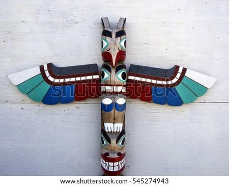 Totem pole sculpture art #545274943