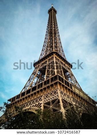 tour Eiffel in tour Eiffel #1072416587