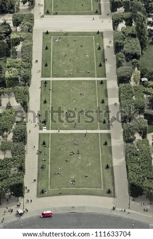 Tour eiffel park - champ de mars, Paris, France
