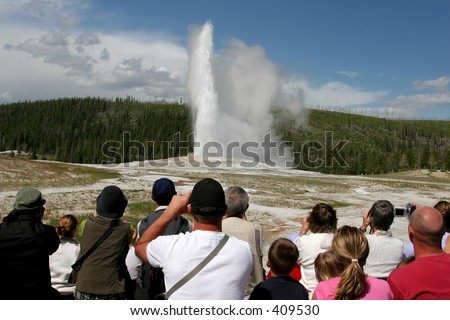 tourism in yellowstone national park