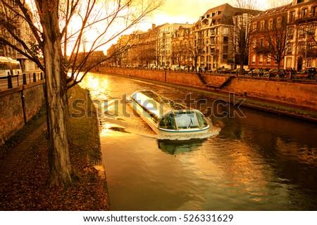 tourist boat in strasbourg ...