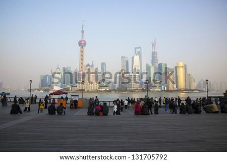Tourists and the Shanghai skyline