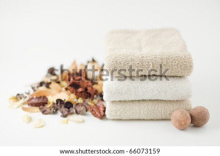 Towels and potpourri