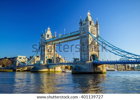 stock photo tower bridge in london uk with blue sky 401139727 - Каталог — Фотообои «Мосты»