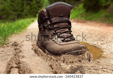 Tracking boot in a dirt #260423837