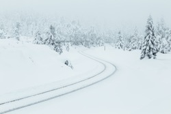 Tracks through the snow-covered Harz