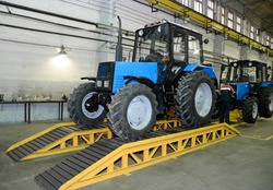tractor Assembly on the conveyor, engine, spare parts