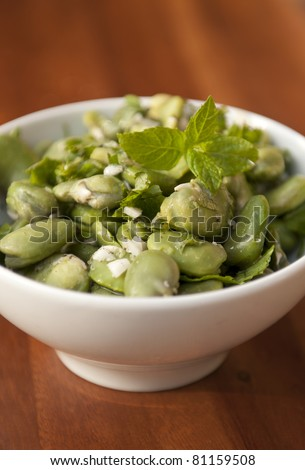 Tradition green boiled broad bean