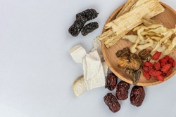 Traditional Chinese herbs used in alternative herbal medicine