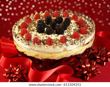 TRADITIONAL CHRISTMAS TRIFLE #611504351