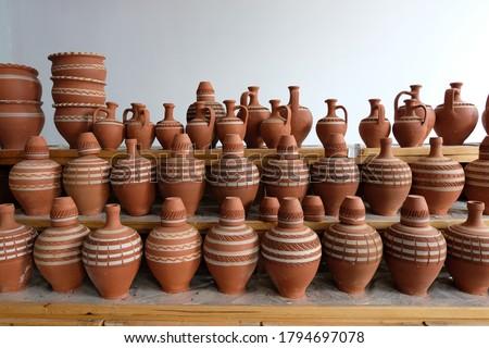 Traditional decorative handmade water pots  Stok fotoğraf ©