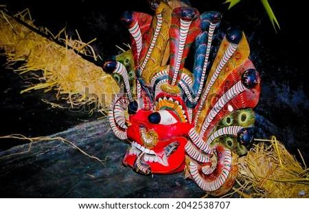 Traditional Devil Mask On Stage. Sri Lanka Traditional Yaka. Yaka Sri lanka. Yaka wesmunu Stok fotoğraf ©