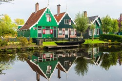 Traditional Dutch house in Zaanse Schans. The Zaanse Schans is a typically Dutch small village in Amsterdam, Netherlands.
