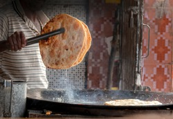 traditional food of sindh , paratha , a famous dish of Pakistan
